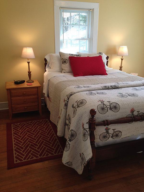 Floyd Virginia Room Cottage Accommodations