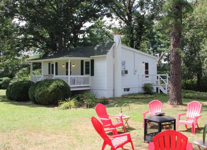 Cottage Suite 8 Exterior