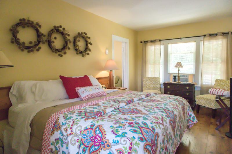 Floyd Virginia Room 5 Accommodations
